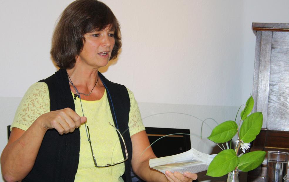 Kerstin Velazques Revé liest.