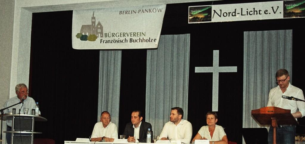 Die Direktkandidaten zur Berlin-Wahl 2016 im Wahlkreis Pankow 1 stellen sich Problemen in Französisch Buchholz.