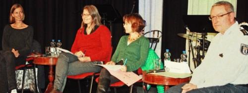 Das Podium von links: Frau Müller, Frau Willuhn, Frau Langeheine, Herr Burkowski.
