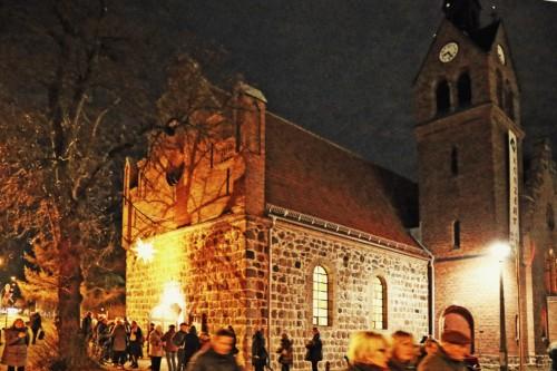 Vor der Kirche nach dem Konzert.