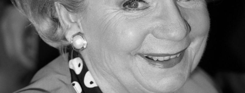 """Ingeborg Krabbe, Schauspielerin und Kabarettistin , am 27.02.1998 in der MDR-Talkshow """"Riverboat"""" in Dresden."""