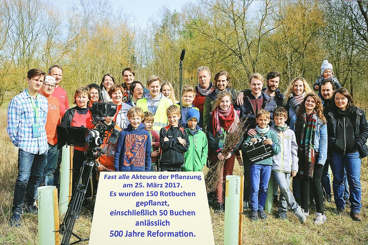 Gruppenfoto aufBuchen e. V. und Helfer